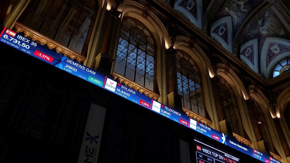 La Bolsa española baja el 1,04 % y pierde los 6.800 puntos
