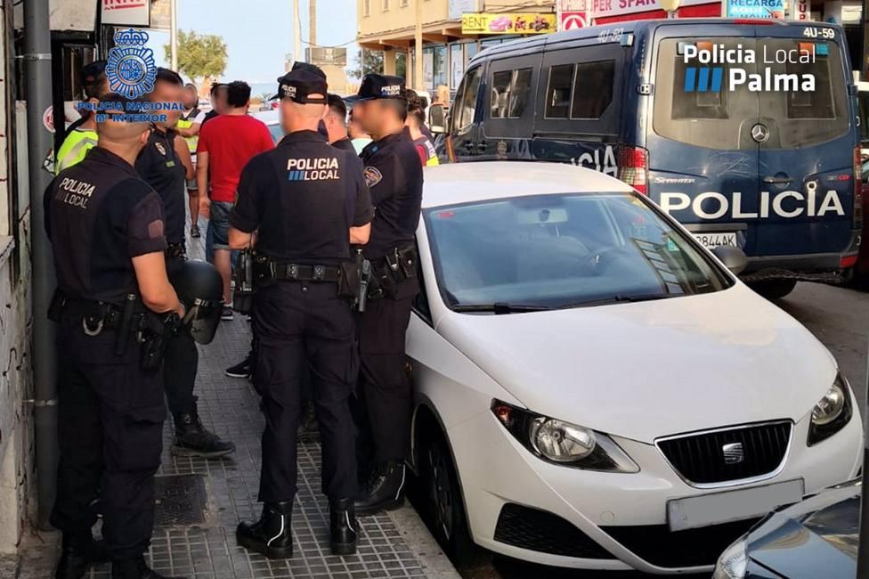 Sucesos.- Desmantelan un punto de venta de droga en una vivienda de Palma donde se impartían clases de inglés
