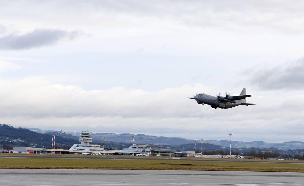 Al menos 45 fallecidos y 49 heridos al estrellarse un avión militar en el sur de Filipinas