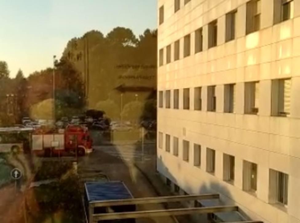 El incendio se declaró en la segunda planta del Hospital Arquitecto Marcide de Ferrol