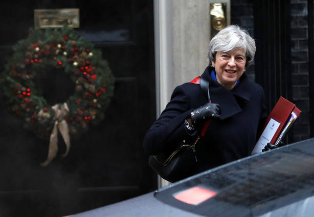 Theresa May saliendo del 10 de Downing Street. REUTERS