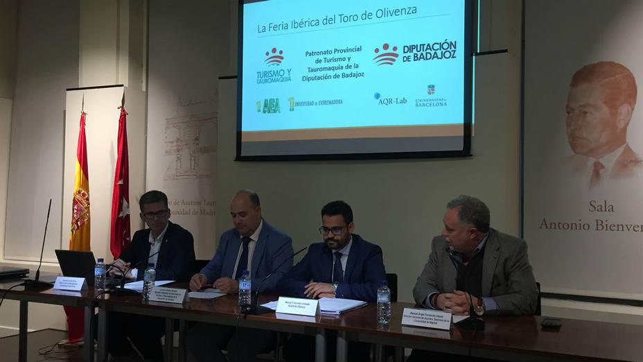 Acto de presentación del estudio sobre la Feria del Toro de Olvienza en la Sala Bienvenida de Las Ventas