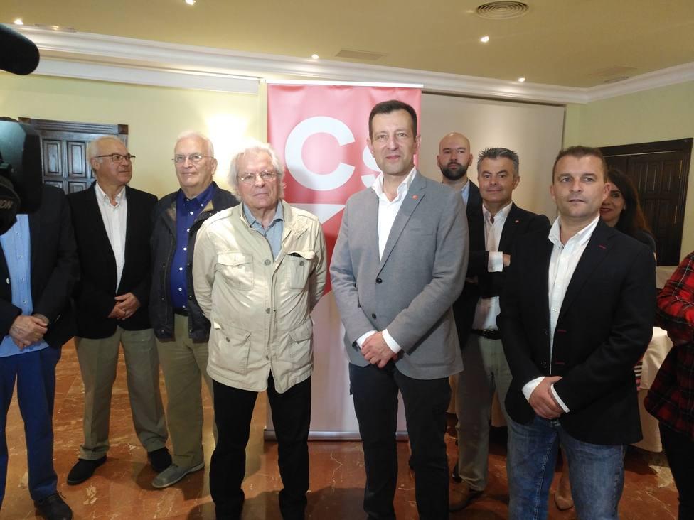 Nart y Langtry con otros representantes de Ciudadanos en Ferrolterra