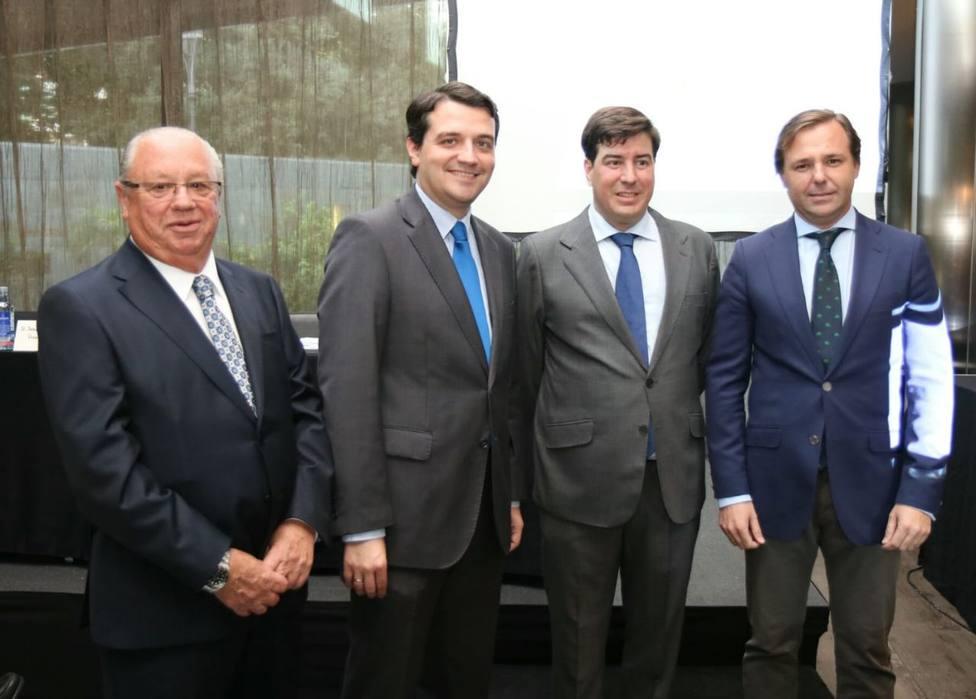 El Alcalde de Córdoba, José Mª Bellido, junto a Jesús Coca