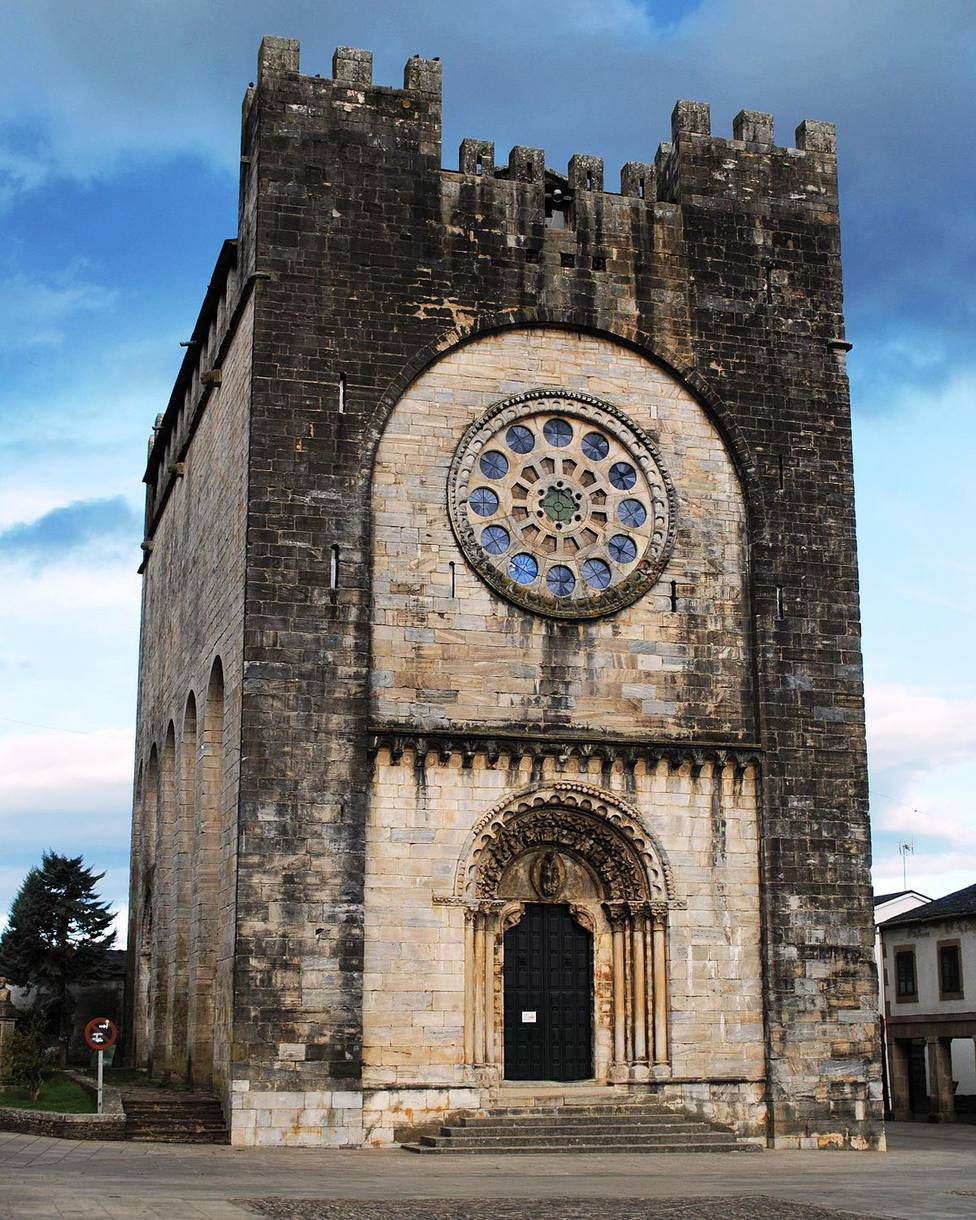 "La Xunta rehabilita la iglesia del siglo XII trasladada ""piedra a piedra"" en Portomarín"