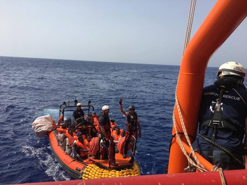 El barco Ocean Viking rescata a 85 personas frente a las costas de Libia