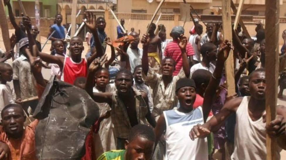 Al menos 15 muertos por las cargas policiales contra una celebración chií en Nigeria