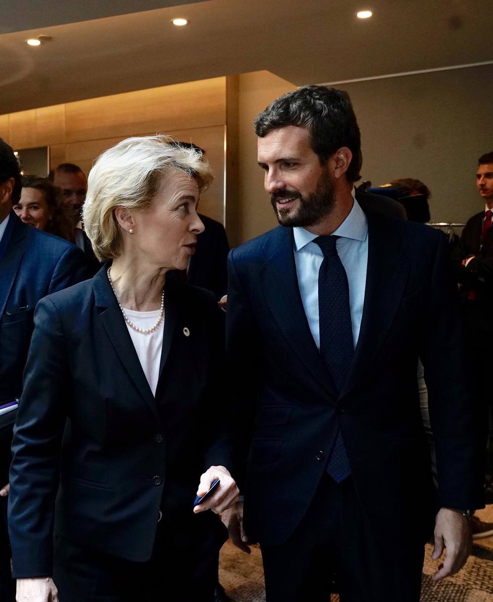 Procés.- Casado informa a Von der Leyen y Merkel de la situación en Cataluña: En España se cumple la ley