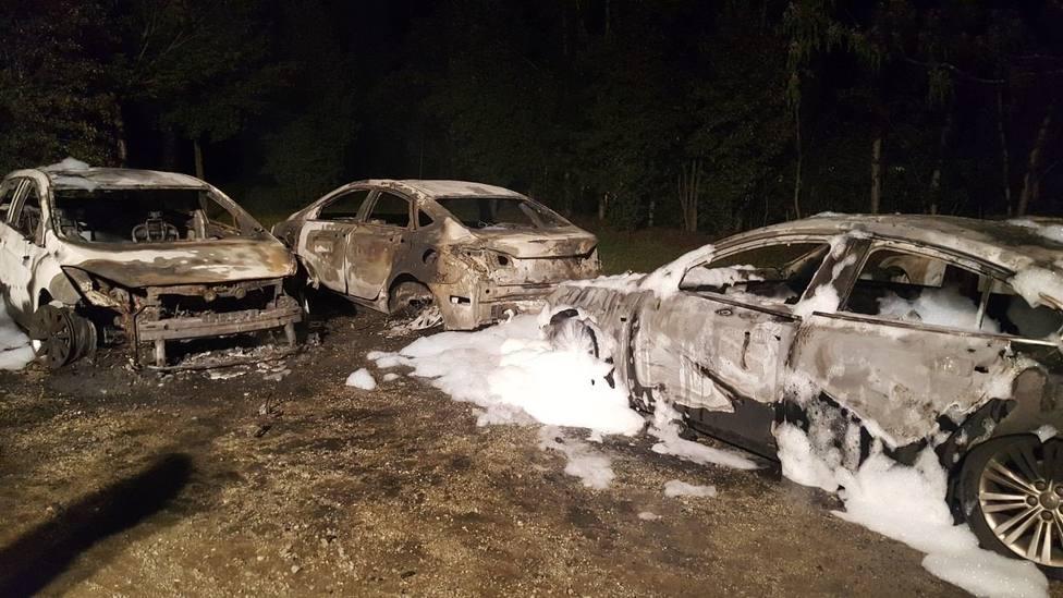 vehiculos VTC quemados en Castilblanco en 2017