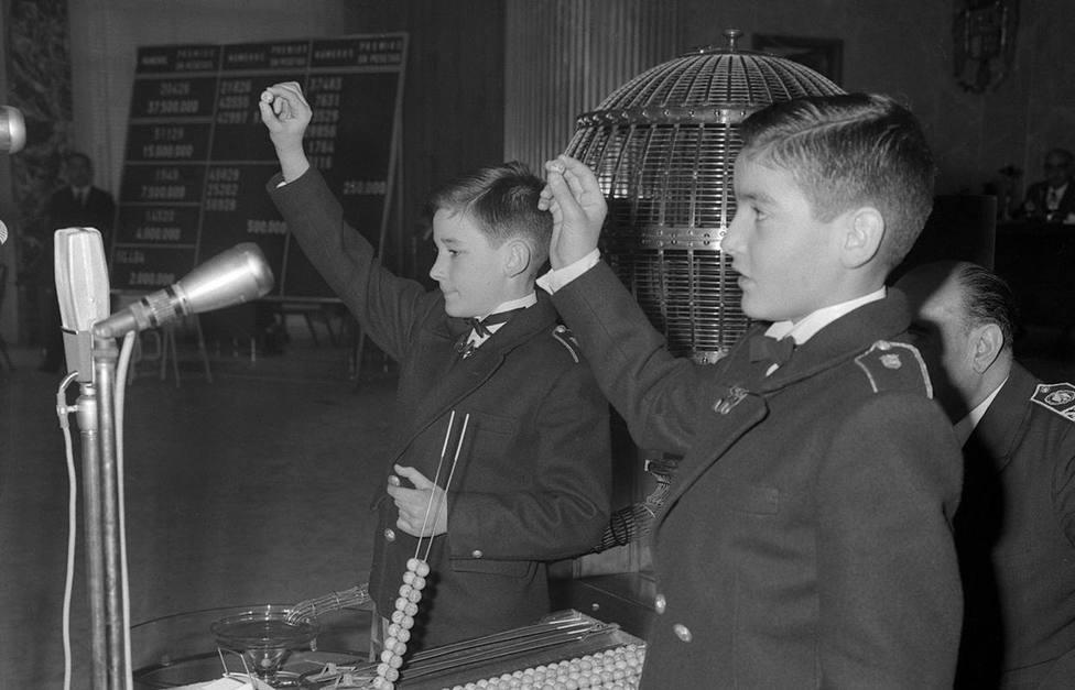 Así fue el primer sorteo de Lotería de Navidad en España