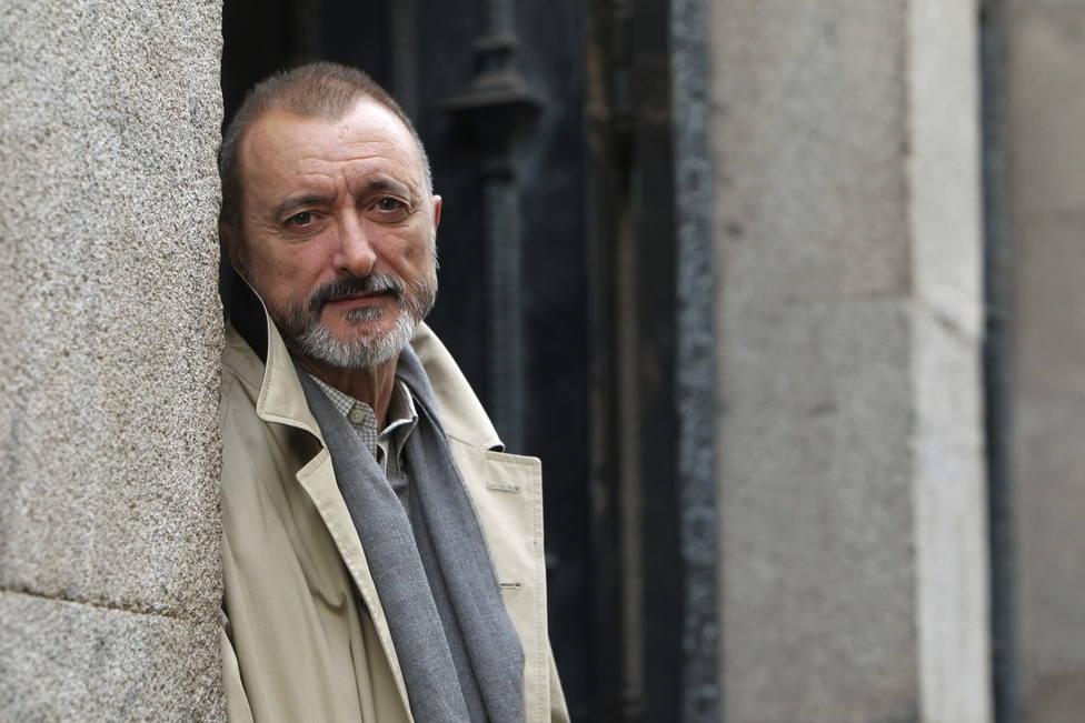 La encendida defensa de Pérez-Reverte del joven castigado por decir Viva España