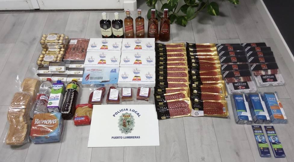 La Policía Local de Puerto Lumbreras detiene a tres personas que habían saqueado cuatro supermercados