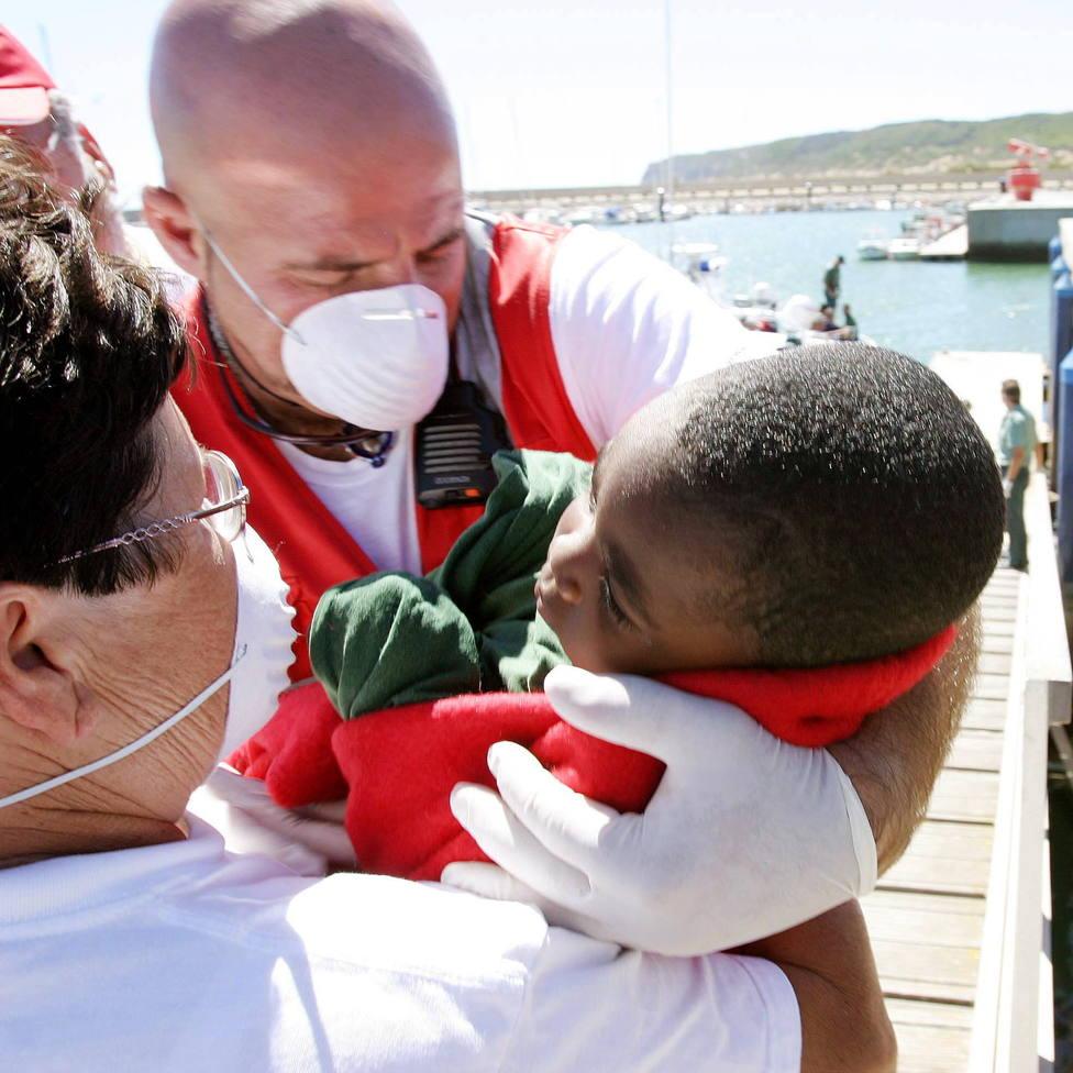 Muere el bebé nacido en una patera que se dirigía a Canarias
