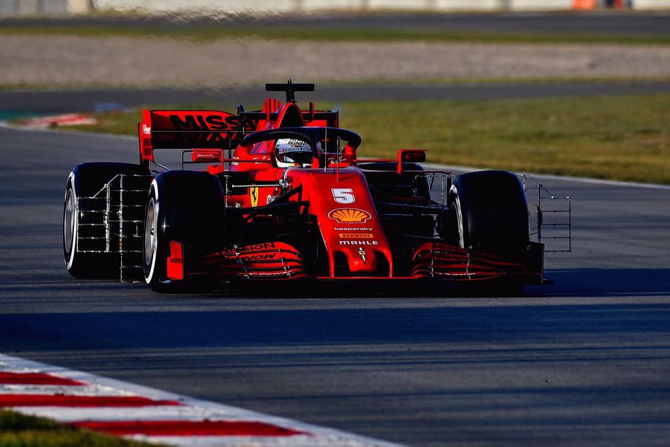 El Ferrari se rompe y Vettel sigue sin tomarle el pulso a su coche