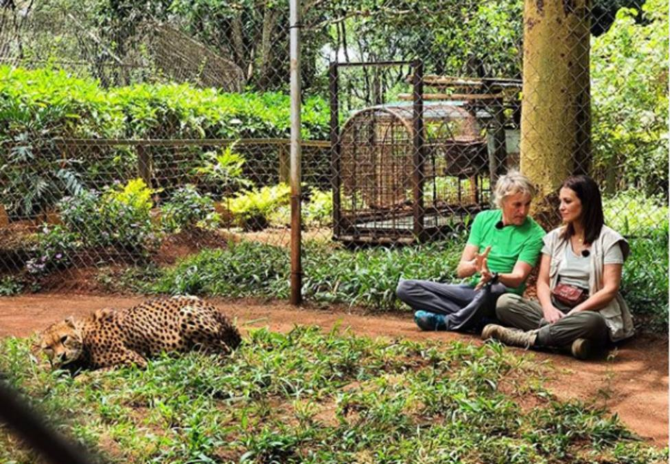 Paula Echevarría aterriza en Kenia lista para su aventura con Calleja