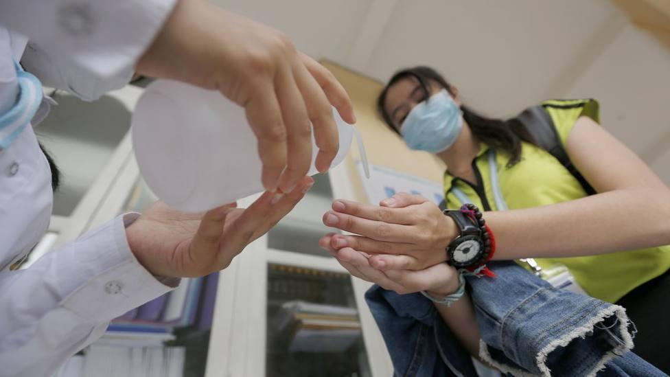 La lista de grandes bulos sobre el coronavirus que no debes creer: Mosquitos, cocaína, cloro...
