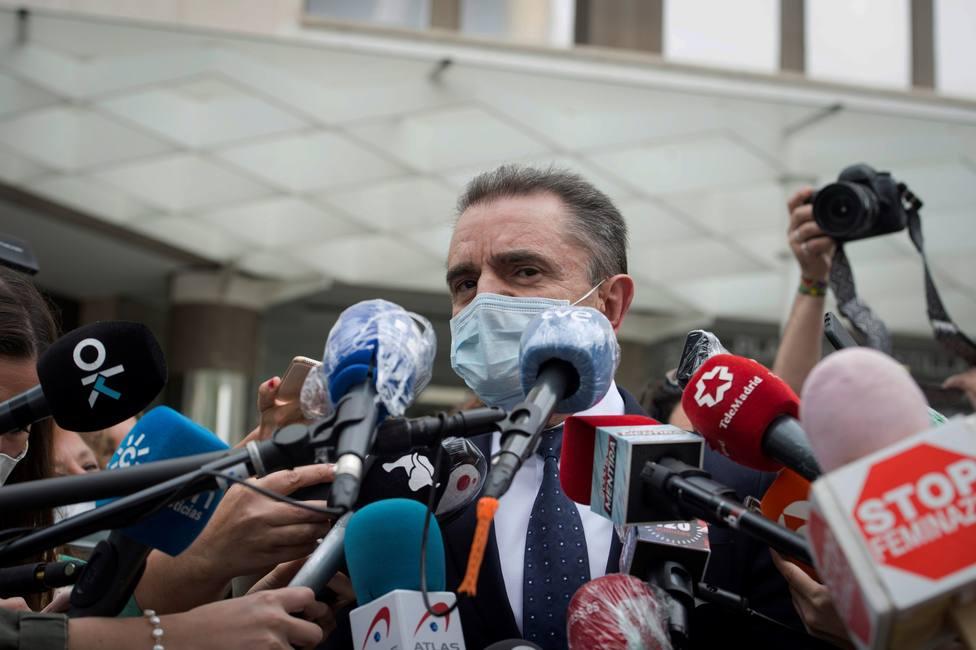 El jefe de Riesgos Laborales de la Delegación de Gobierno cree que no debió haber 8-M, aunque no es virólogo