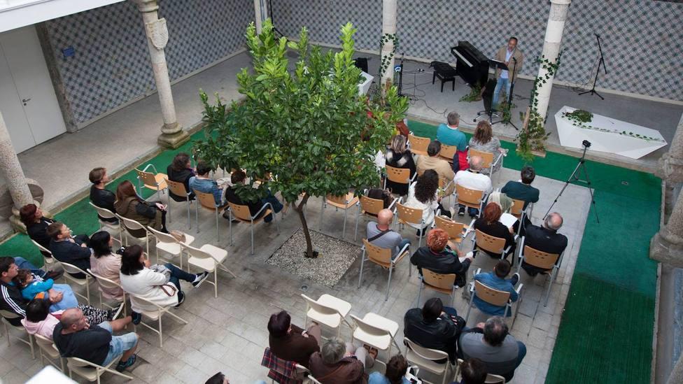 El IV Recital de Poesía en Feminino tendrá lugar en San Sadurniño el 19 de septiembre. FOTO: César Galdo