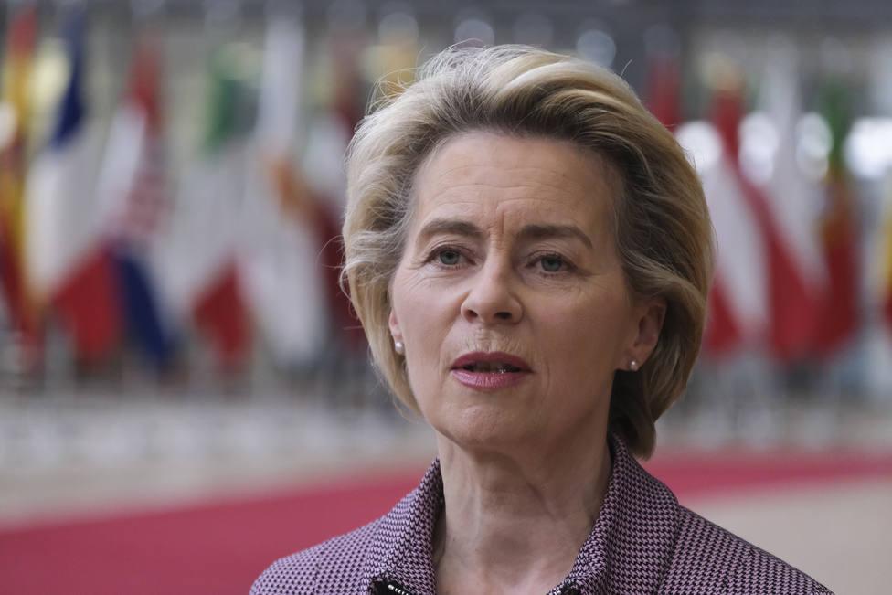Von der Leyen abandona la cumbre de la UE por tener contacto con un positivo por covid-19