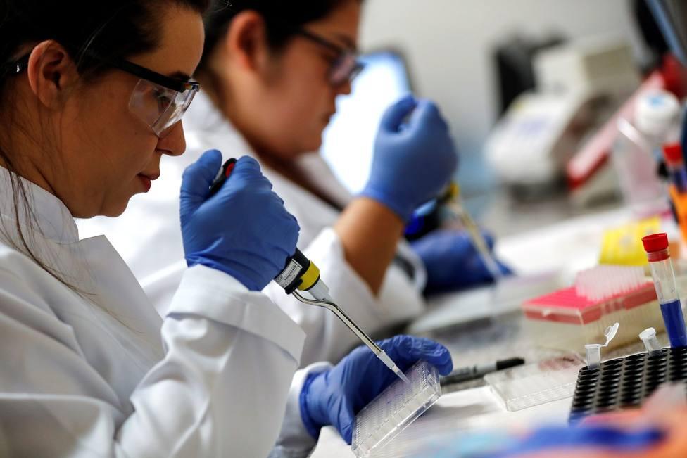 La vacuna de Oxford tiene una alta eficacia y será más fácil de distribuir