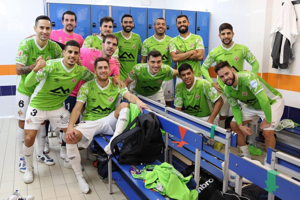 La plantilla del Palma Futsal celebrando una victoria