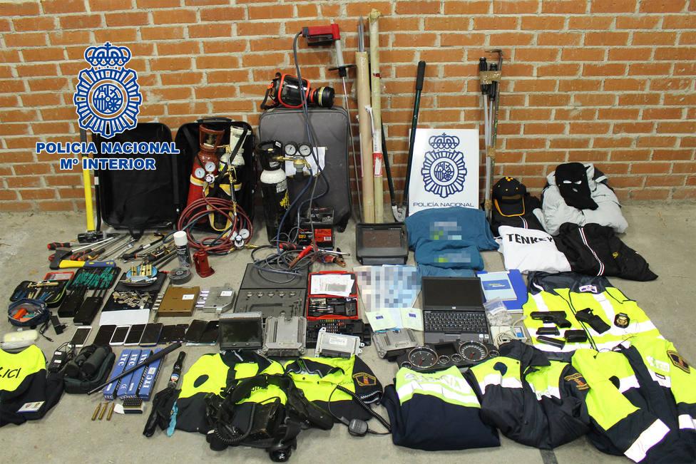 La policía ha detenido a 5 personas