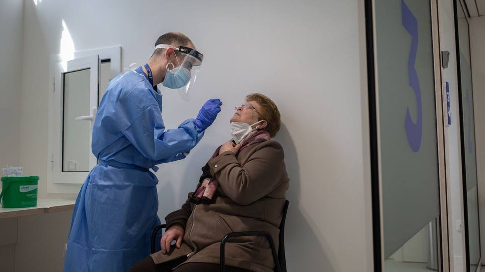 Gran Canaria confirma su mejoría con 73 nuevos casos, se acerca a los 16.000 contagios acumulados