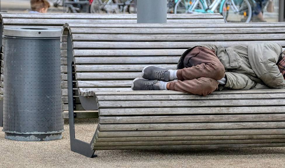 El Congreso aprueba una iniciativa del PSOE para que las personas sin hogar puedan acceder al IMV