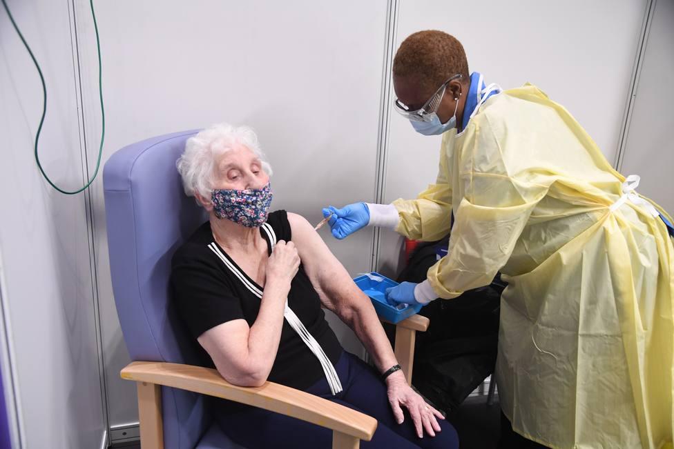 Reino Unido notifica 4.052 contagios y 43 fallecidos en las últimas 24 horas