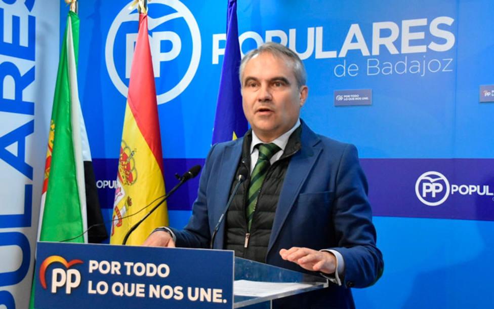 Francisco Javier Fragoso, alcalde de Badajoz en una imagen de archivo en la sede del PP de Badajoz