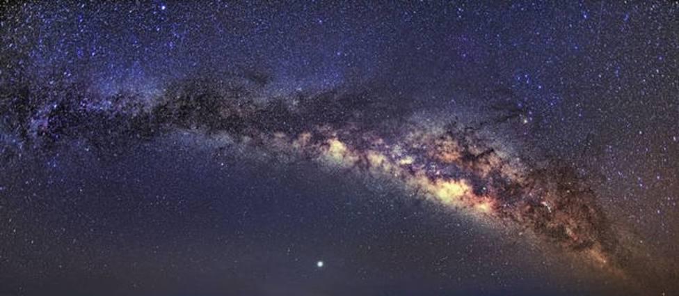 La Reserva de la Biosfera de La Rioja programa cinco rutas nocturnas para observar las estrellas en verano