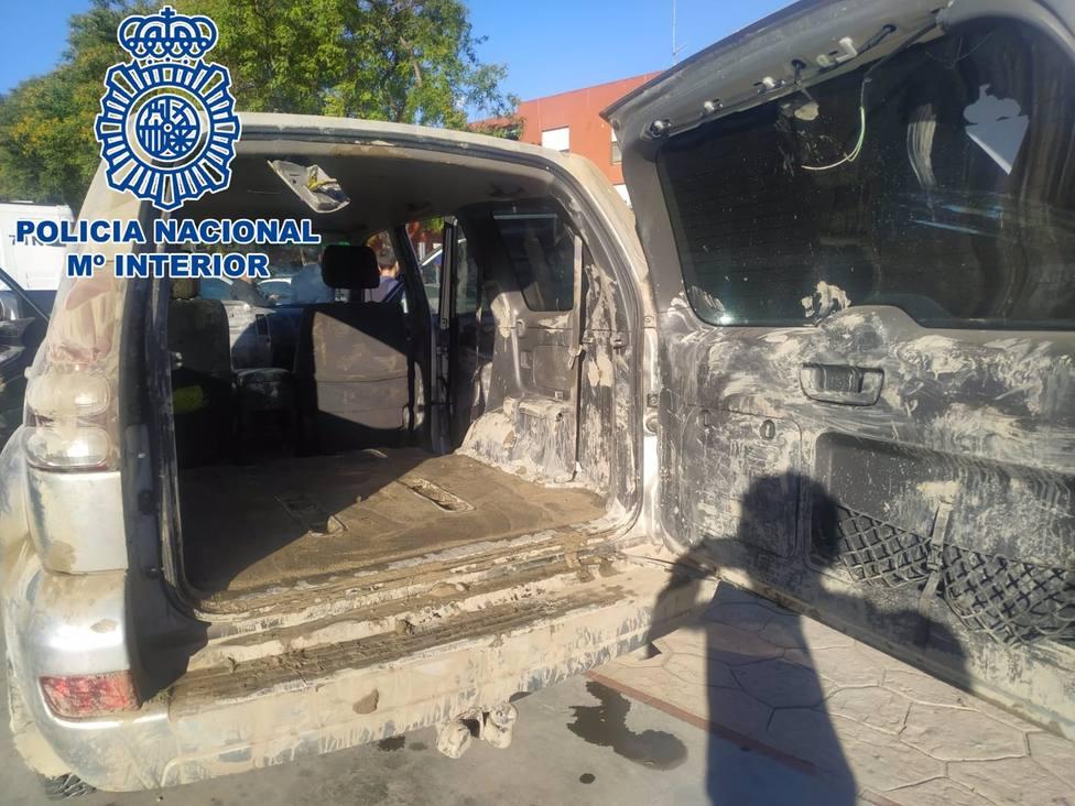 Interceptado un todoterreno con 900 kilos de hachís tras un alijo en el Guadalquivir