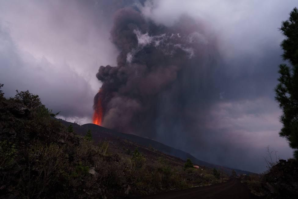 El presidente del Cabildo de Tenerife ofrece cualquier medio para ayudar a los afectados de La Palma