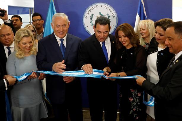 El presidente guatemalteco, Jimmy Morales, inaugura la Embajada de Guatemala en Jerusalén