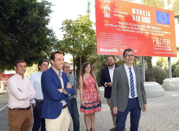 El Ayuntamiento inicia las obras del paseo fluvial de 20.000 m2 que vertebrará 'Murcia Río'