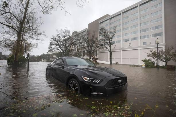 Florence y sus lluvias épicas dejan ya 11 muertos en EE.UU.