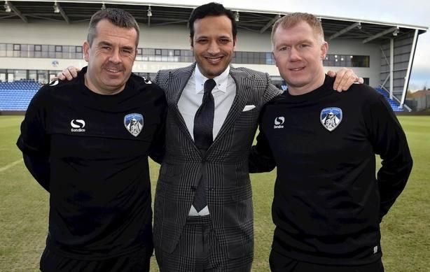 Paul Scholes debuta como entrenador al frente del modesto Oldham Athletic de cuarta división