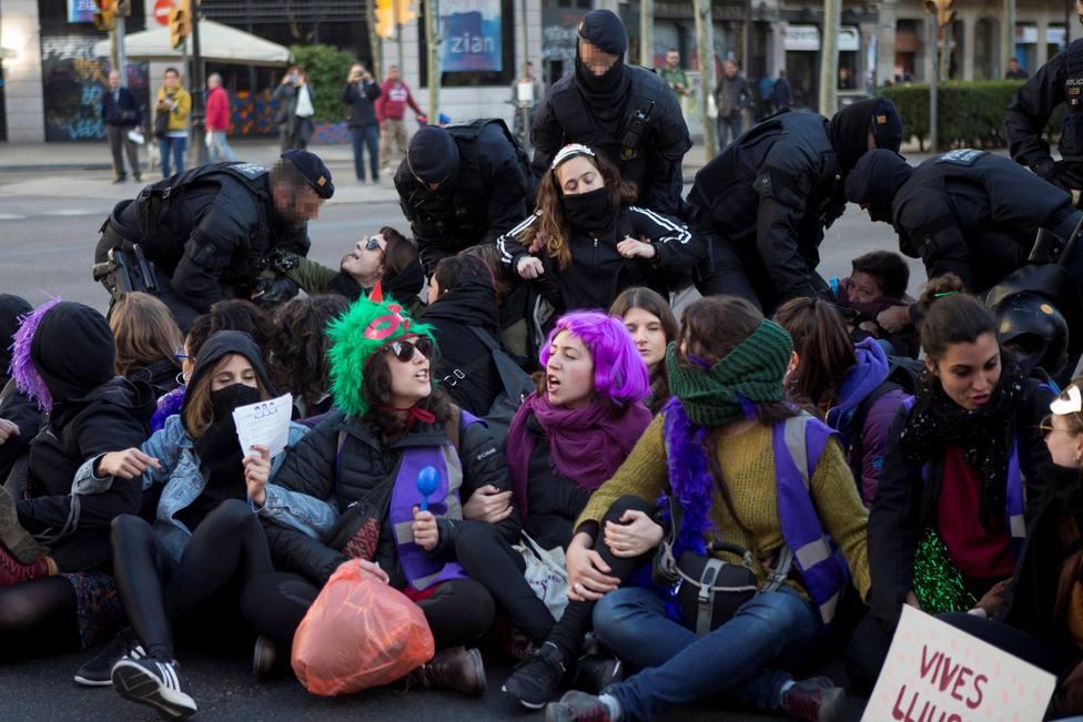 La huelga registra poco seguimiento en Cataluña salvo en las universidades