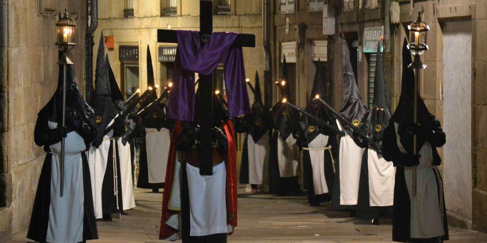 La procesión de los Estudiantes sale el Miérecoles Santo en Santiago