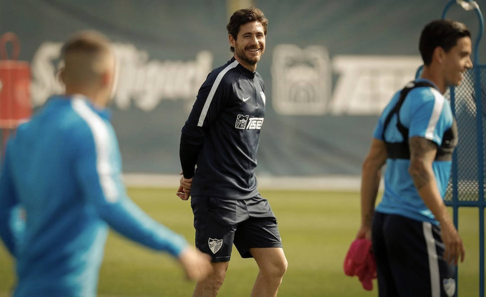 Victor en un entrenamiento con el Málaga
