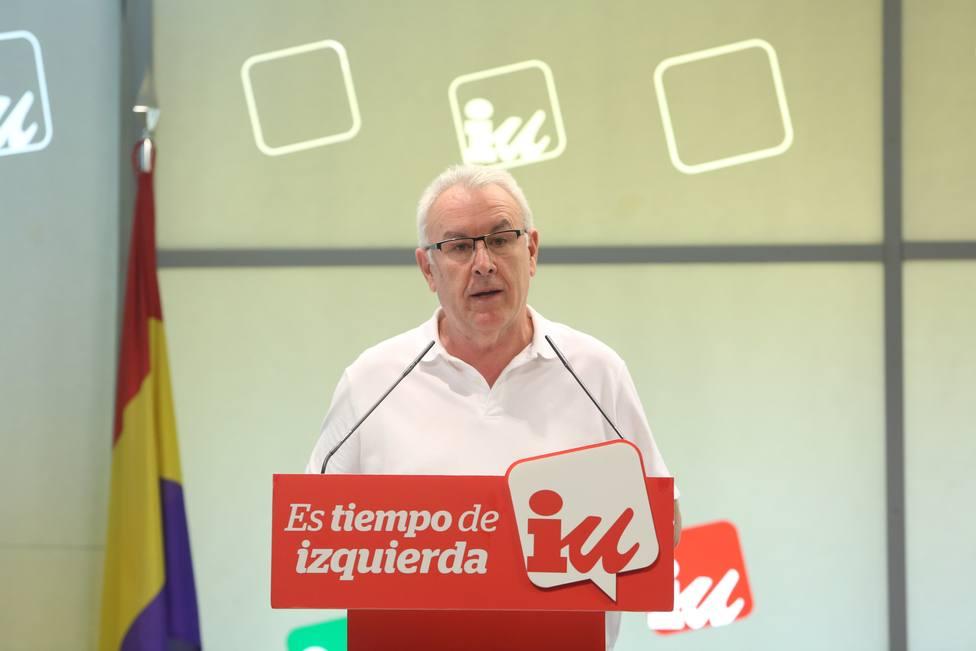Cayo Lara cuestiona el empeño de entrar en el Gobierno de Sánchez y prefiere acuerdos programáticos con calendario