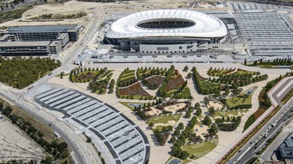 Los vecinos de San Blas-Canillejas estrenan una zona verde junto al Wanda Metropolitano
