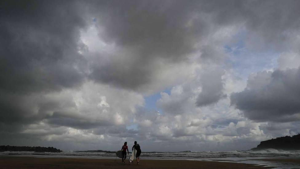 Siete comunidades siguen en alerta por tormentas y viento en extremo