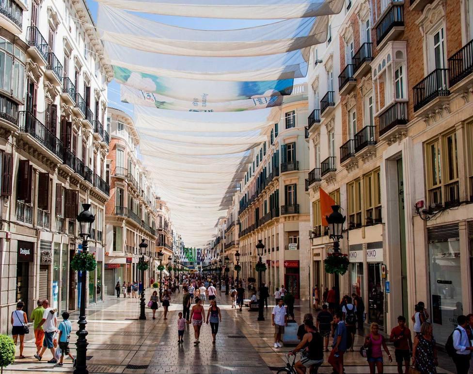 Las calles comerciales de Cartagena contarán con toldos de sombra similares a los de Málaga