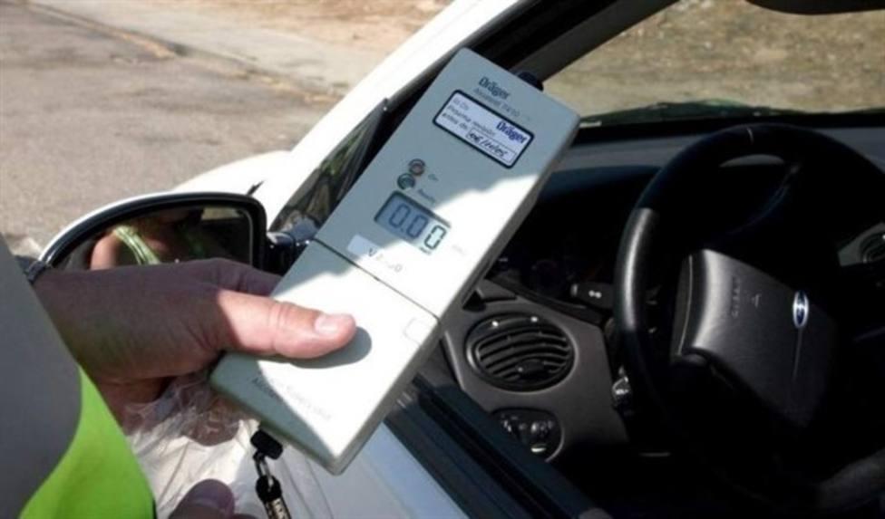 La policia detiene a una conductora incapaz de soplar por su estado de embriaguez