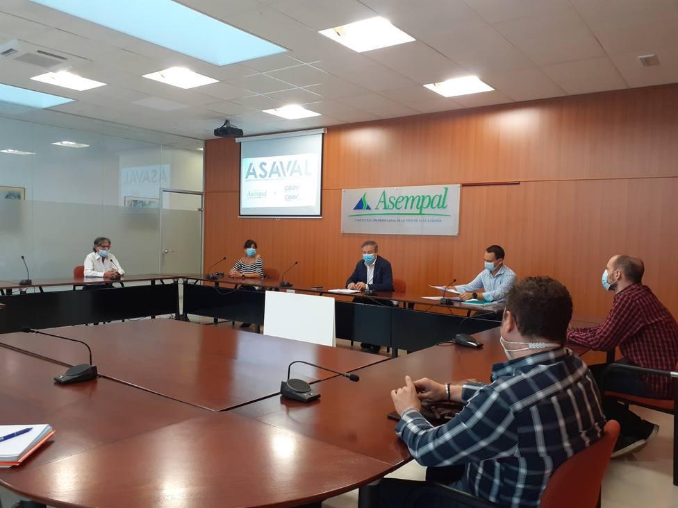 Casi 70 agencias de viajes y más de 70 alojamientos podrán acogerse al bono turístico en Almería