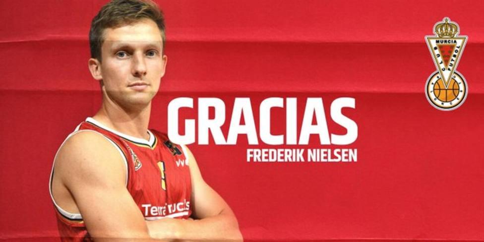 El base danés Frederik Nielsen abandona el Real Murcia baloncesto tras dos años