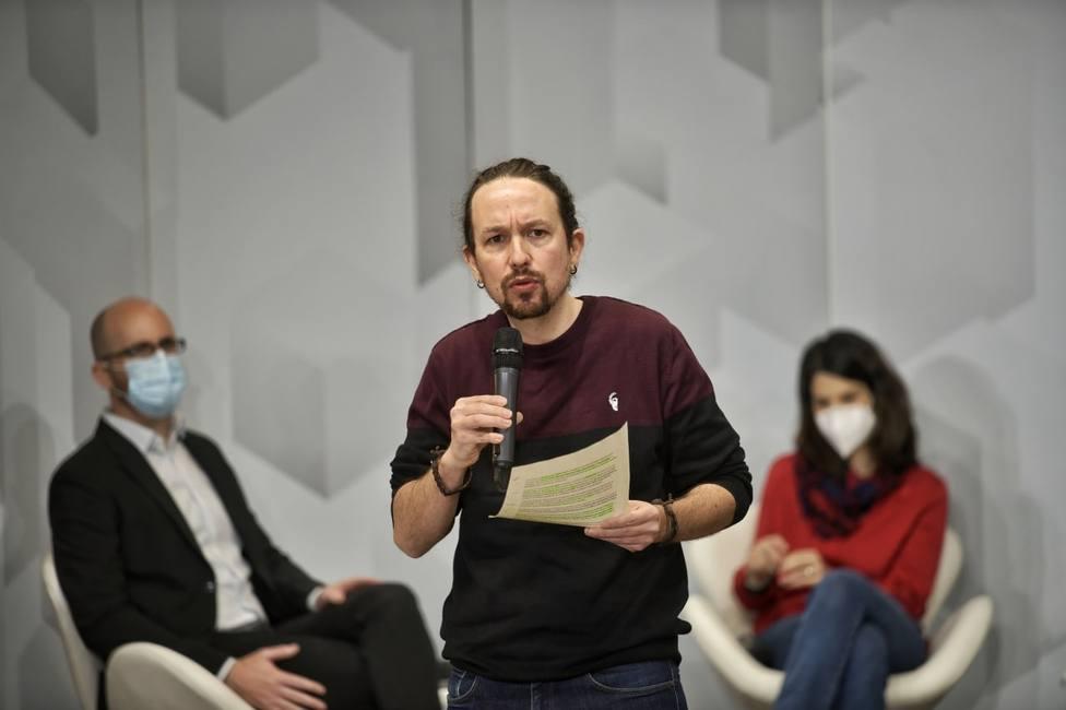 Iglesias acusa al PP de dar aire a los violentos y tacha de terrorismo callejero el ataque a su sede
