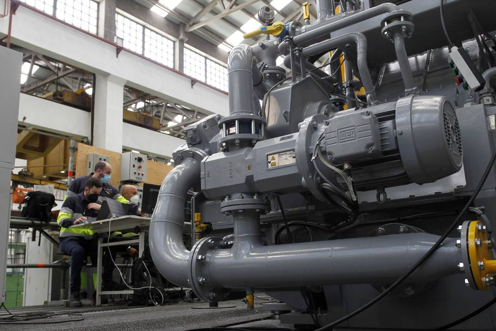 Cada reductora supone unas 33.000 horas de carga de trabajo - FOTO: EFE / Kiko Delgado
