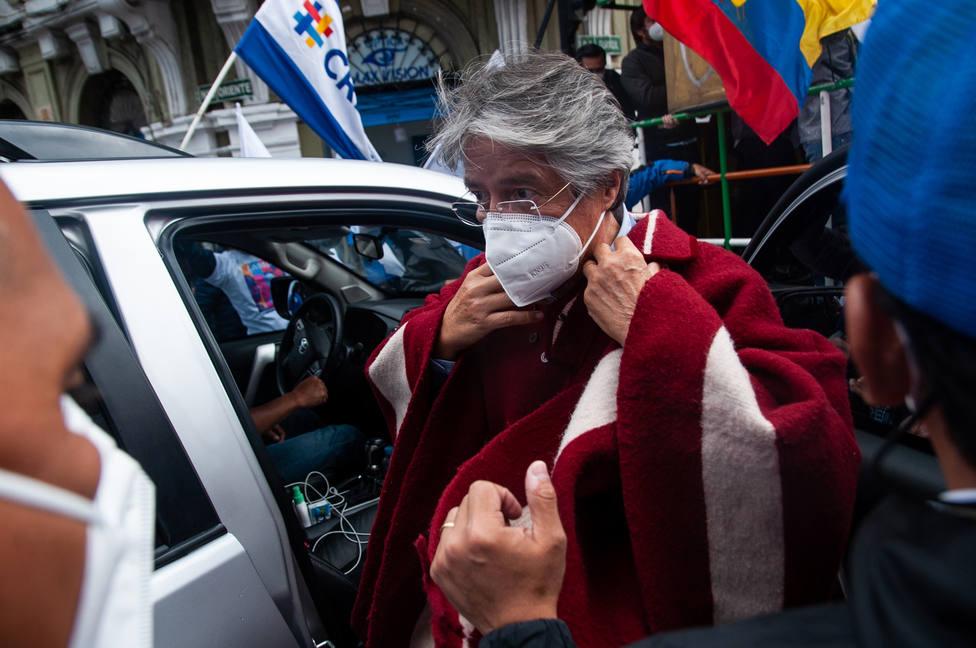 Guillermo Lasso se da por vencedor y dice es un día histórico para Ecuador